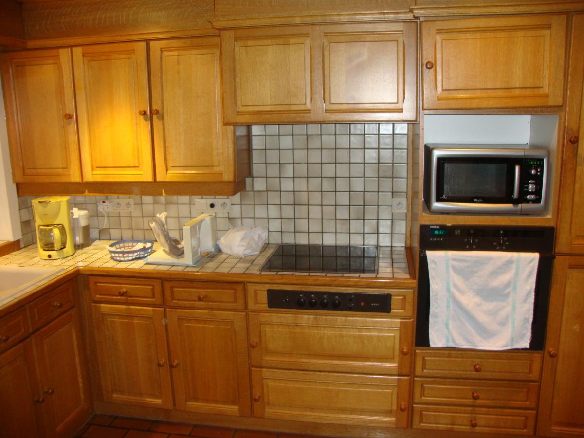 Eiken Keuken Beitsen : Renovatie keuken te Oostende Meubelrenovatie