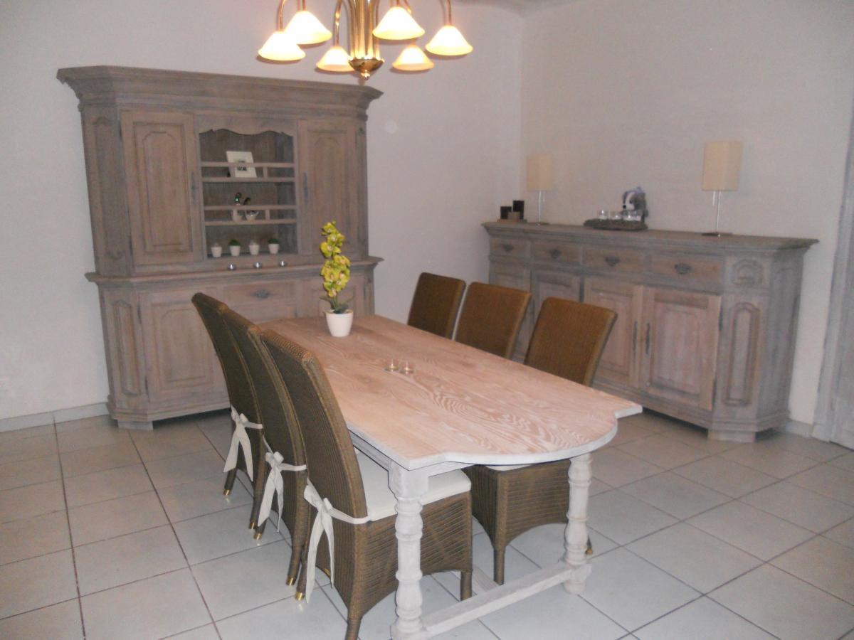 Sablage et lasurage r novation d une salle manger for Une salle a manger