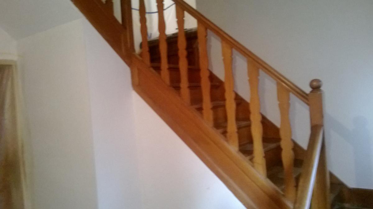 Zandstralen en renovatie eiken trap te kortrijk meubelrenovatie - Renovatie houten trap ...
