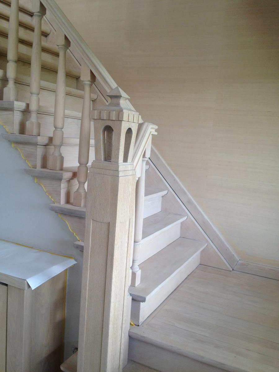Trappenrenovatie zandstralen van trappen meubelrenovatie - Renovatie van een houten trap ...