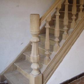 Trappen meubelrenovatie - Renovatie houten trap ...
